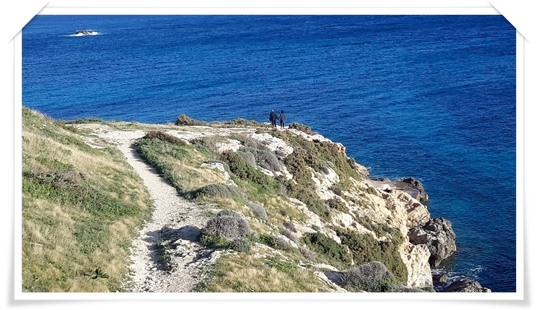 hiking in gozo