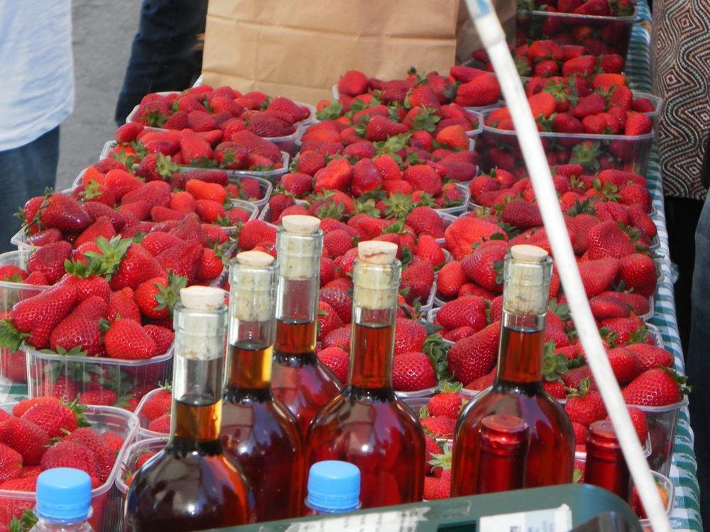 Strawberry liqueur in Malta